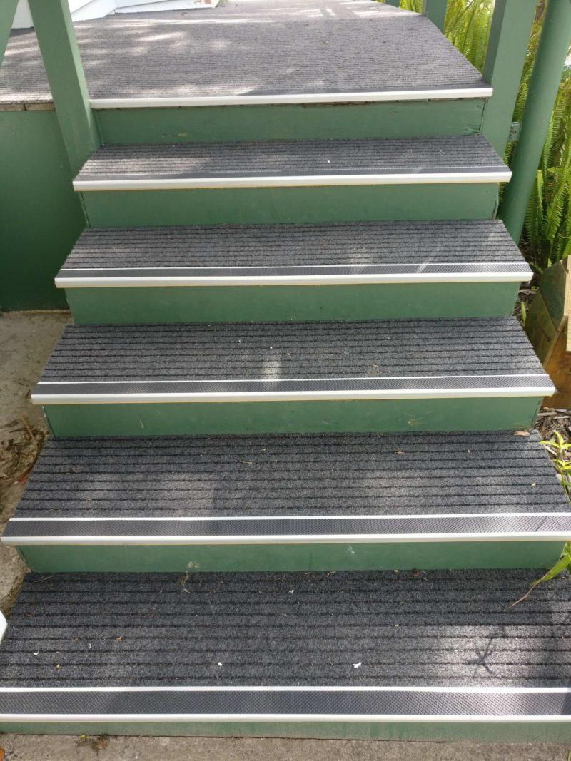 broad rib on steps