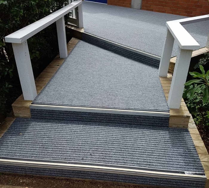 Broad Rib outdoor carpet for wooden steps at St Kent