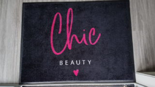 Chic Beauty Logo Mat