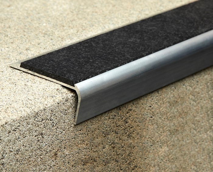 Step Tread STU5825 application with quality rubber inserts