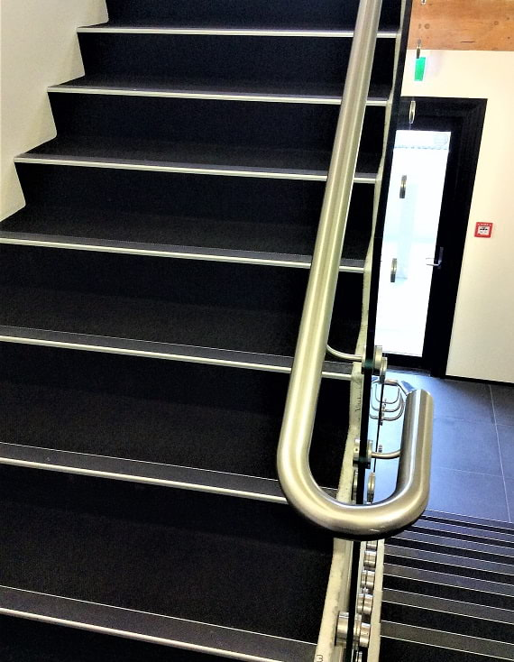 AA124 stair nosings application